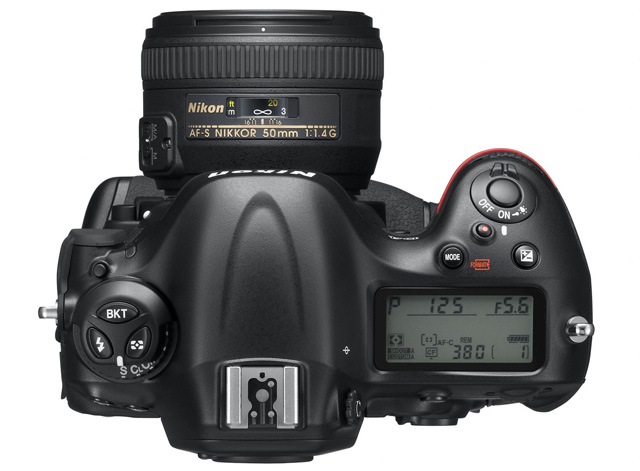 Advantages and disadvantages of buying DSLR camera